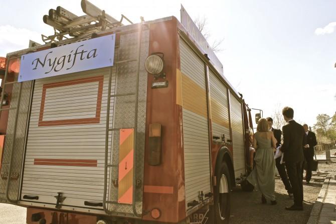 Nygifta brandbil